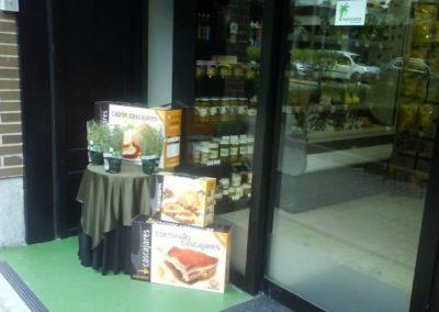 productos ecológicos frutas y verduras puerta tienda